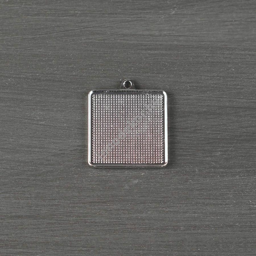 Öntőforma szilikonból - fém medál, négyzet