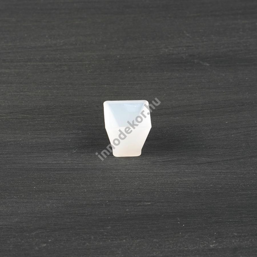 Öntőforma szilikonból - piramis, 2 cm